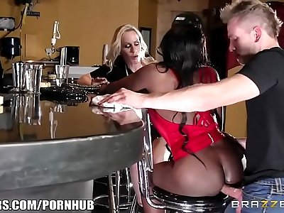 black and white bitches wants their ass banged